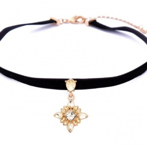 Freesia Choker - Trinket Square (2)